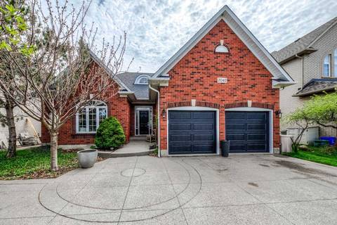 House for sale at 2042 Postmaster Dr Oakville Ontario - MLS: W4444052
