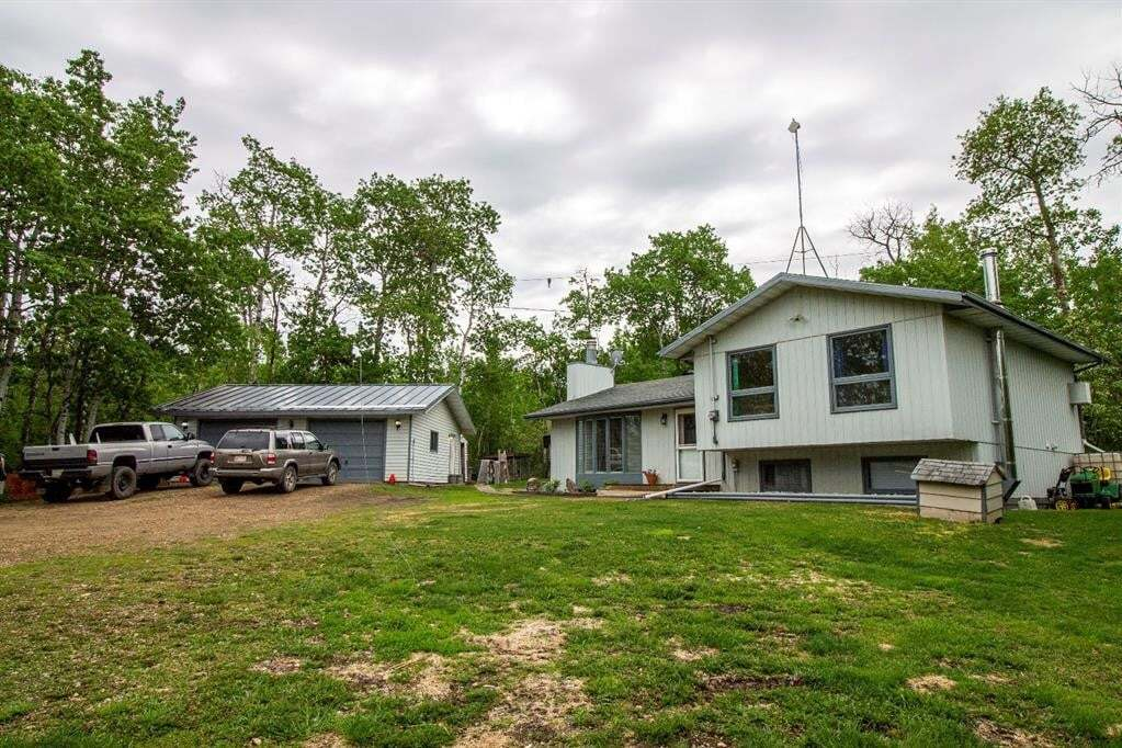 House for sale at 20471 Township Road 493  Rural Camrose County Alberta - MLS: CA0185134