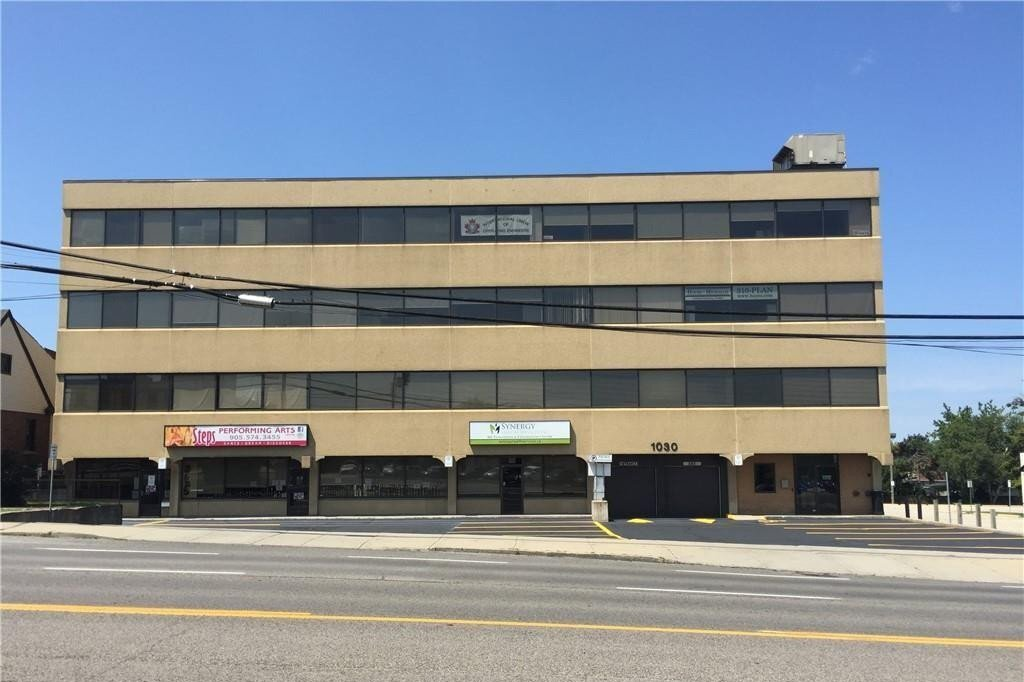 Commercial property for lease at 1030 Upper James St Apartment 205 Hamilton Ontario - MLS: H4082595