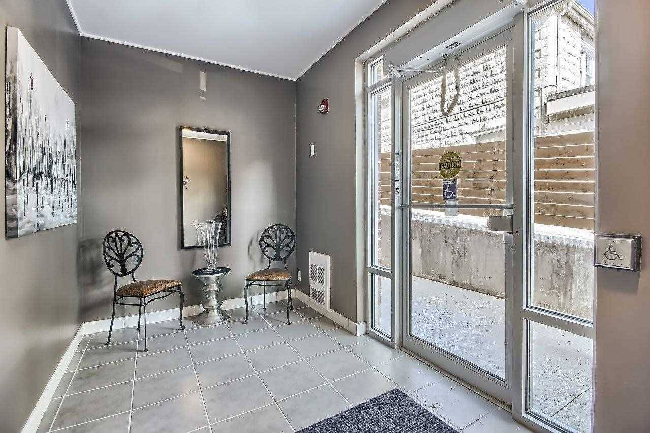 Condo for sale at 128 Barrie St Unit 205 Bradford West Gwillimbury Ontario - MLS: N4408834