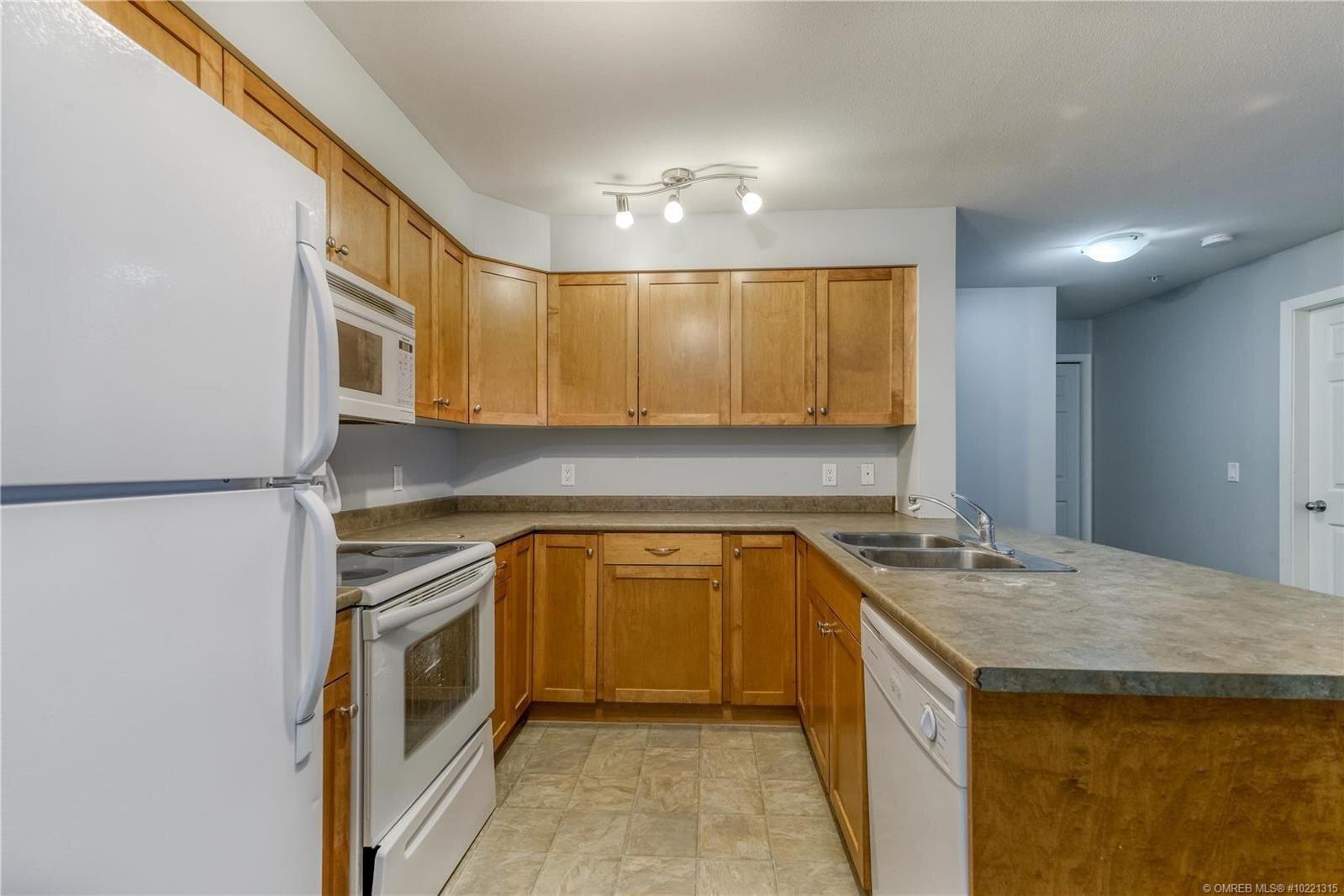 Condo for sale at 135 Ziprick Rd Unit 205 Kelowna British Columbia - MLS: 10221315