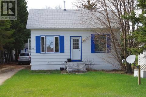 House for sale at 205 2nd St Ne Watson Saskatchewan - MLS: SK772287