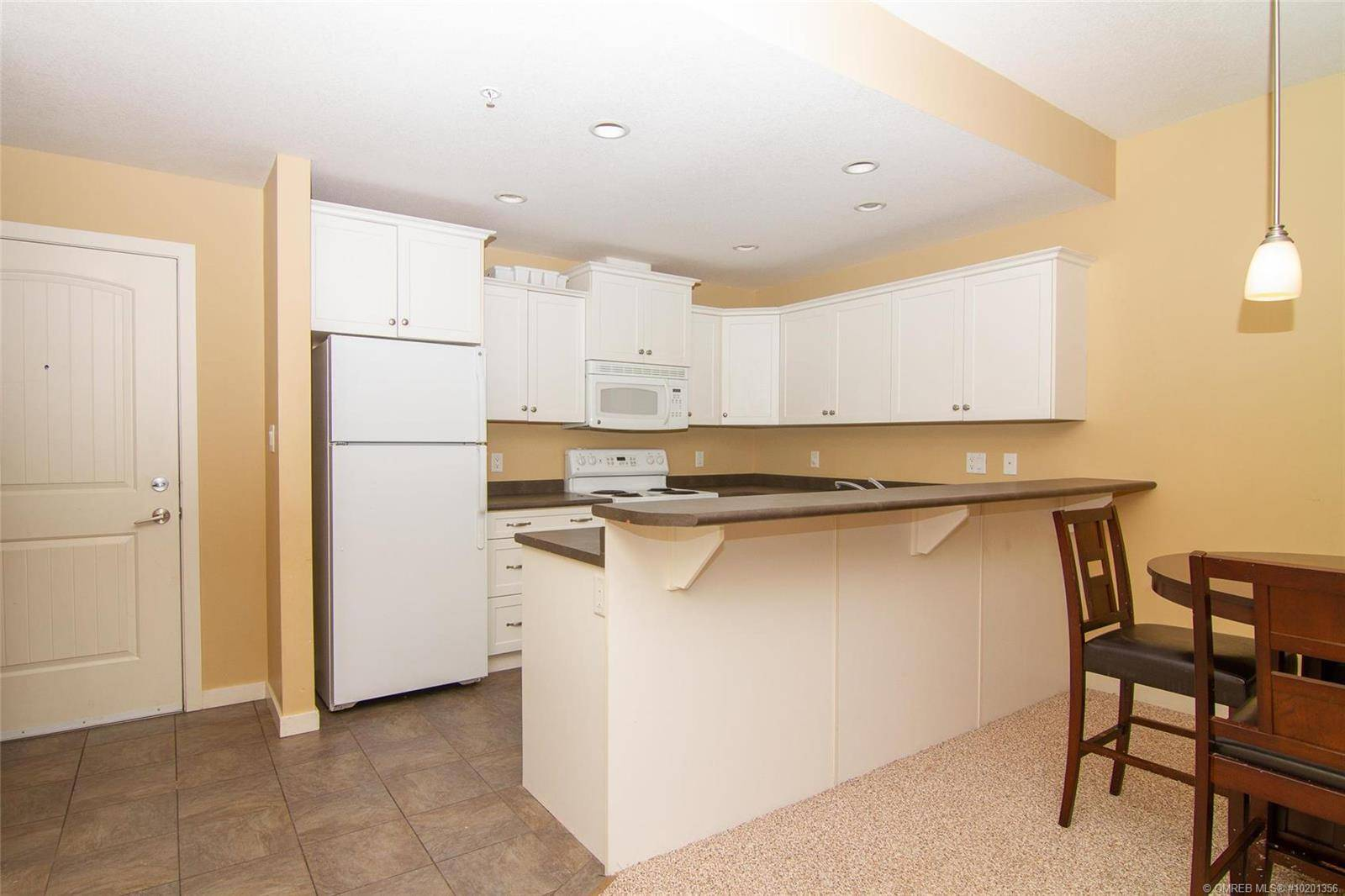 Condo for sale at 345 Mills Rd Unit 205 Kelowna British Columbia - MLS: 10201356