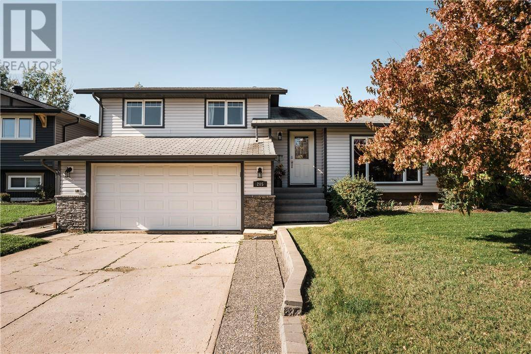 House for sale at 205 Farrell Cres Fort Mcmurray Alberta - MLS: fm0177447