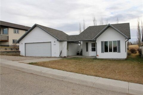 House for sale at 205 Linview Dr Linden Alberta - MLS: C4274007