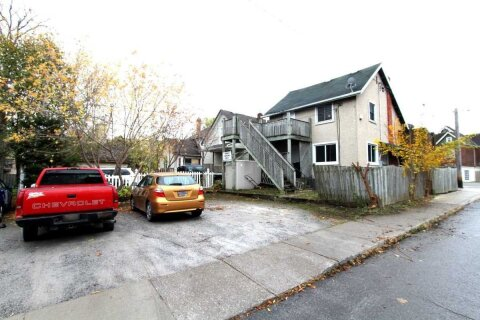Townhouse for sale at 205 Queenston St St. Catharines Ontario - MLS: X4976194