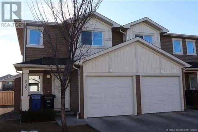 Townhouse for sale at 205 Silkstone Rte West Lethbridge Alberta - MLS: LD0186762