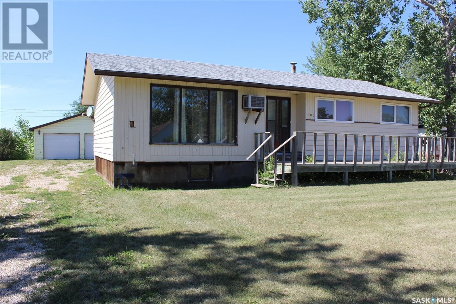 House for sale at 205 Stephen St Midale Saskatchewan - MLS: SK821200