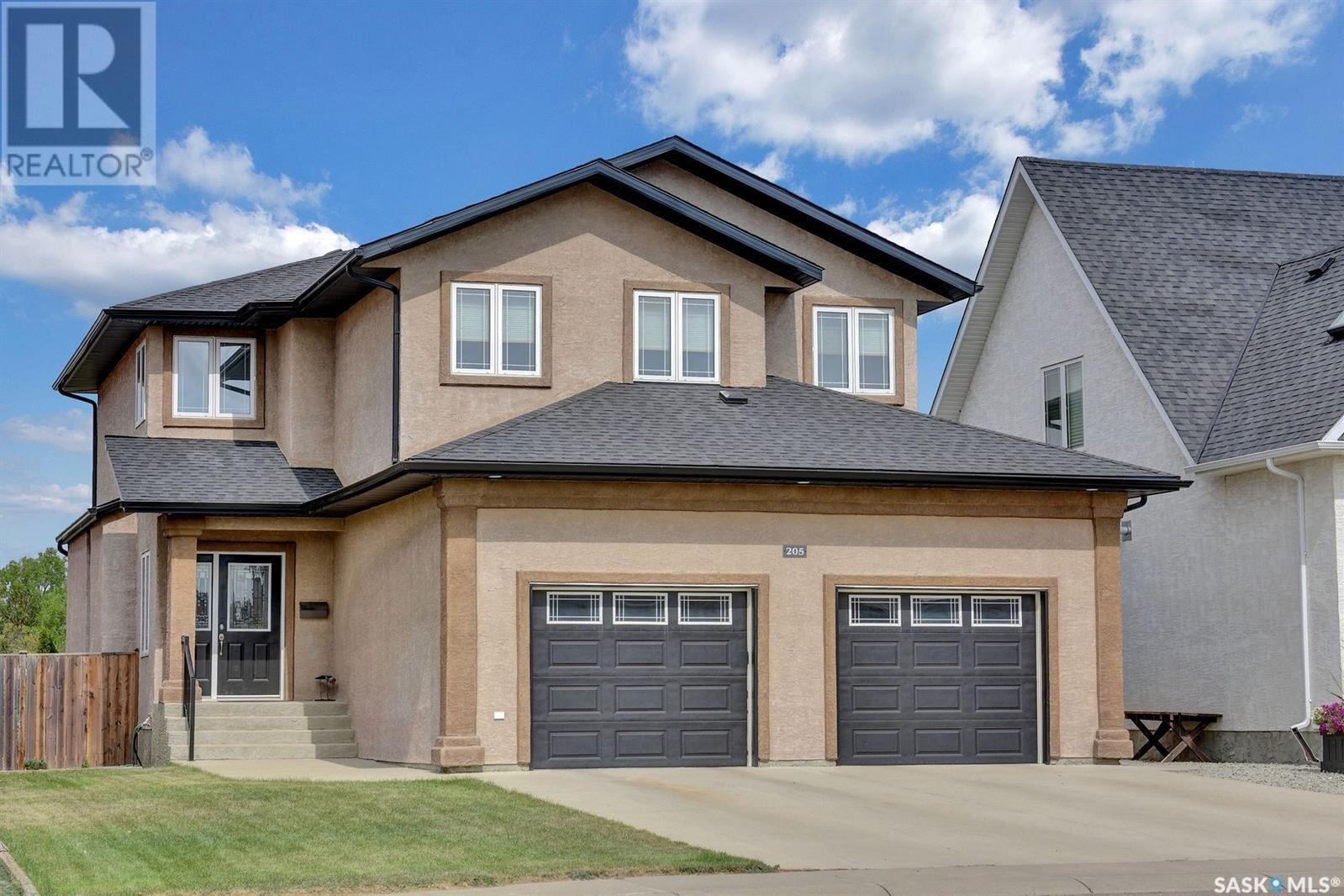 House for sale at 205 Wood Lily Dr Moose Jaw Saskatchewan - MLS: SK824010