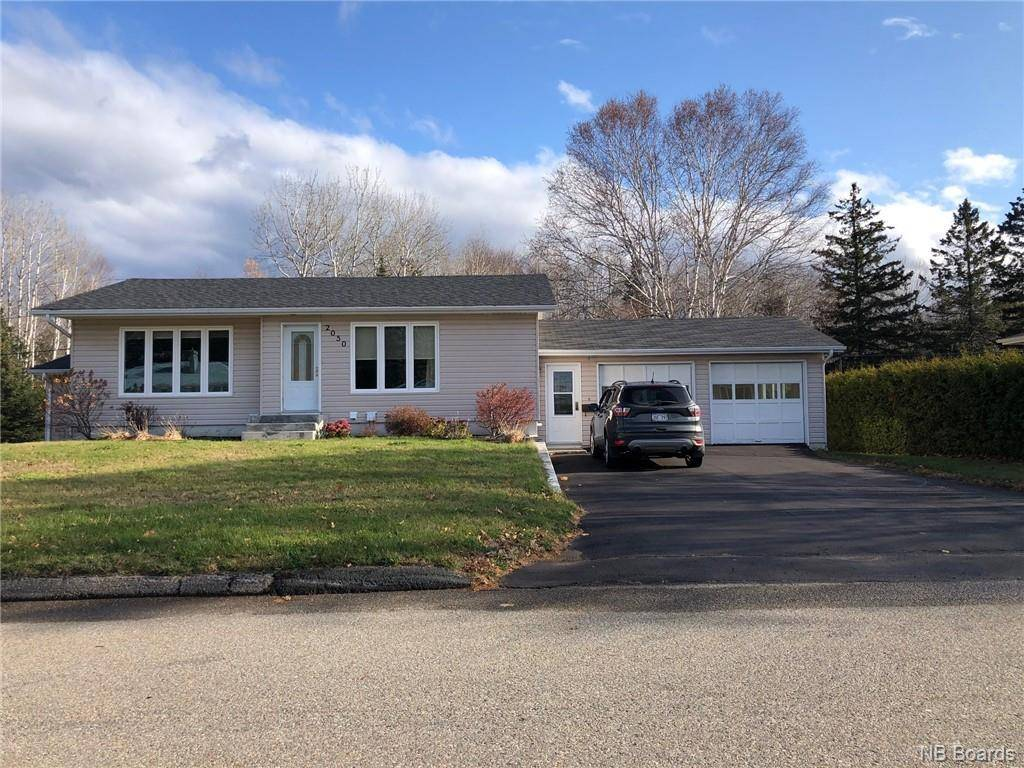 House for sale at 2050 Balsam  Bathurst New Brunswick - MLS: NB036690