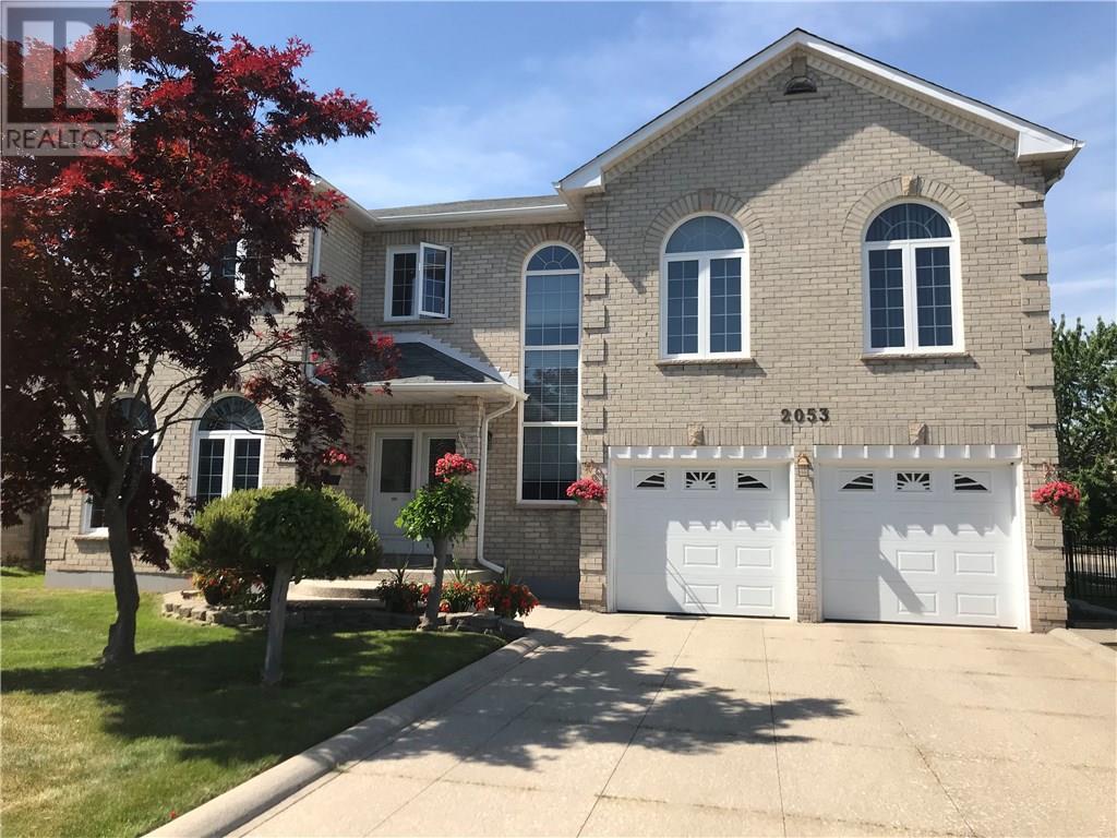 Sold: 2053 Nipigon Drive, Oakville, ON