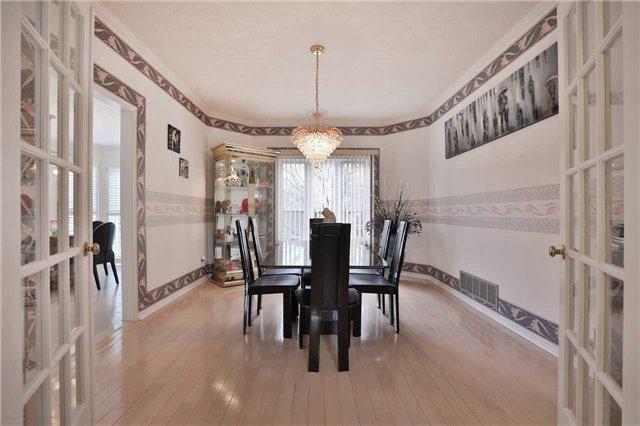 For Sale: 2053 Nipigon Drive, Oakville, ON   5 Bed, 4 Bath House for $1,398,800. See 14 photos!
