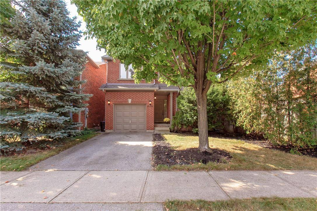 House for sale at 2058 Oak Hollow Oakville Ontario - MLS: H4063831