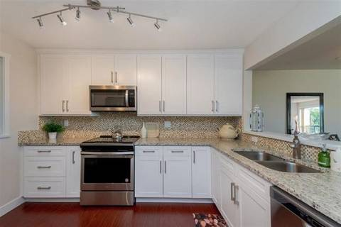 Condo for sale at 14957 Thrift Ave Unit 206 White Rock British Columbia - MLS: R2374337