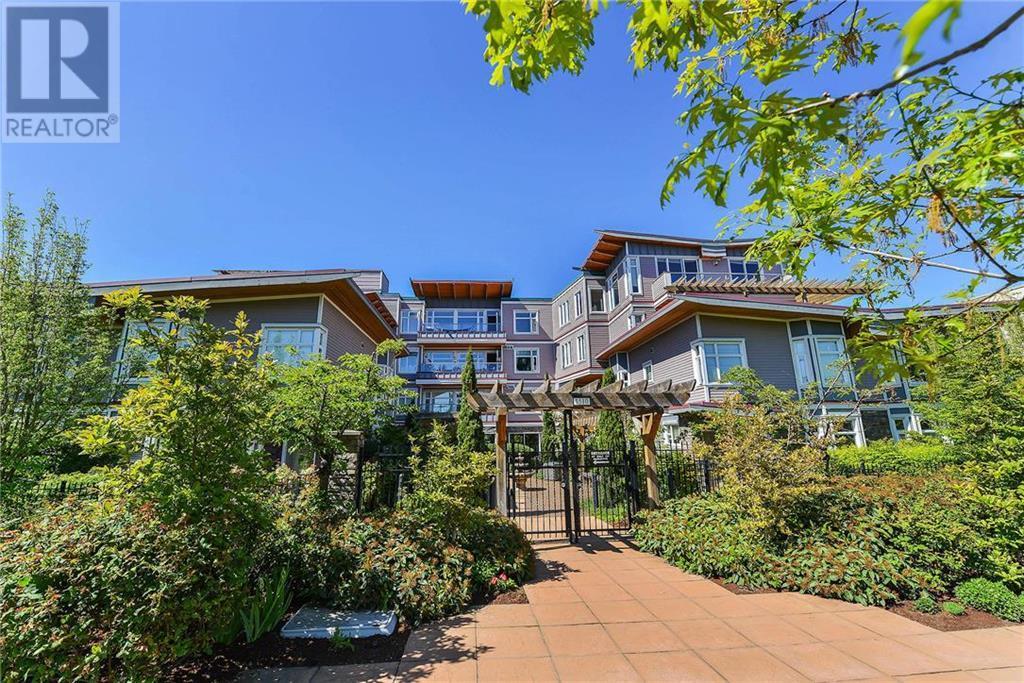 Buliding: 1510 Hillside Avenue, Victoria, BC
