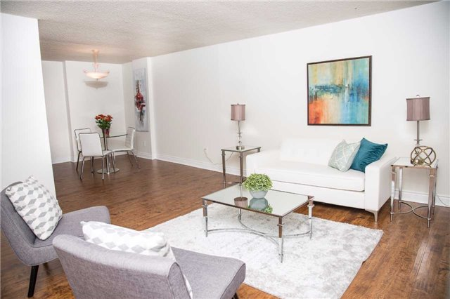 For Sale: 206 - 212 St George Street, Toronto, ON   2 Bed, 2 Bath Condo for $685,000. See 14 photos!