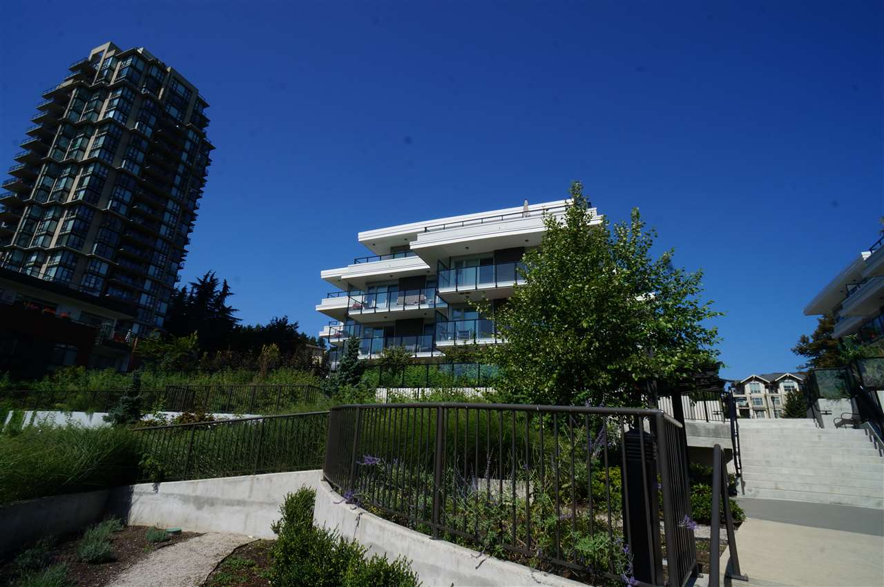 For Sale: 206 - 26 East Royal Avenue, New Westminster, BC | 2 Bed, 2 Bath Condo for $585000.