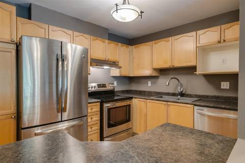 Condo for sale at 33478 Roberts Ave Unit 206 Abbotsford British Columbia - MLS: R2403357