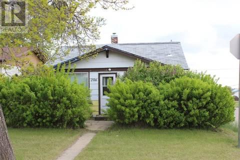 House for sale at 206 3rd Ave E Shaunavon Saskatchewan - MLS: SK777812
