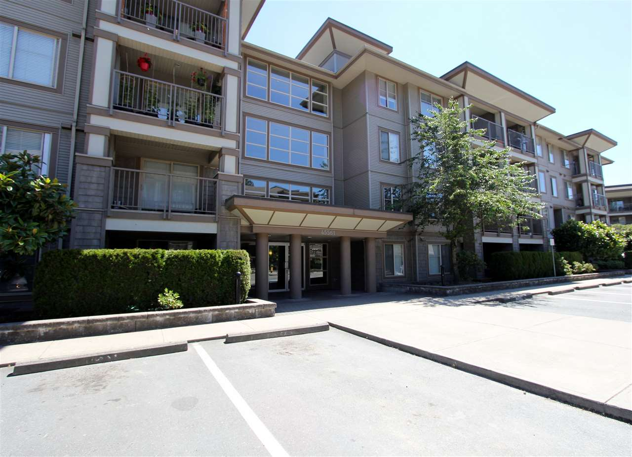 Buliding: 45561 Yale Road, Chilliwack, BC