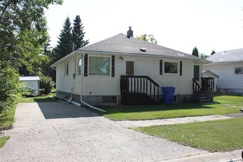 House for sale at 206 6th Ave W Canora Saskatchewan - MLS: SK805926