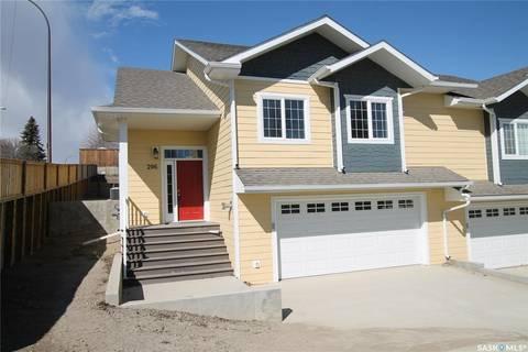 Townhouse for sale at 206 8th Ave NE Swift Current Saskatchewan - MLS: SK767742