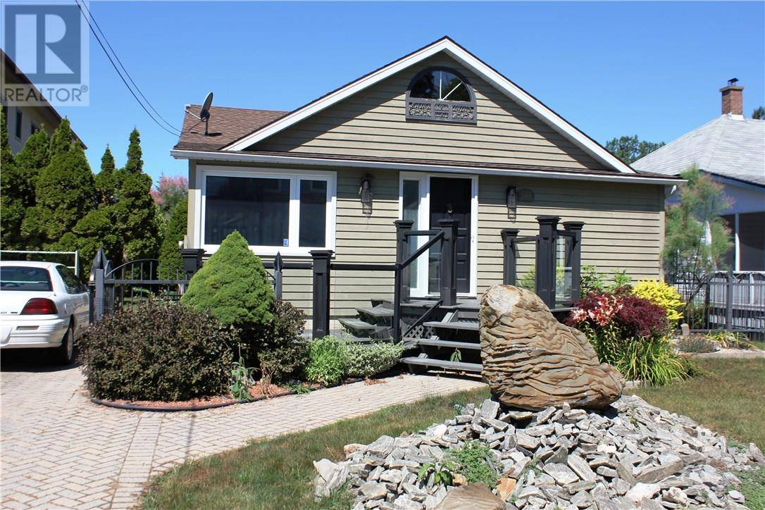 House for sale at 206 Adelaide St East Port Stanley Ontario - MLS: 197138