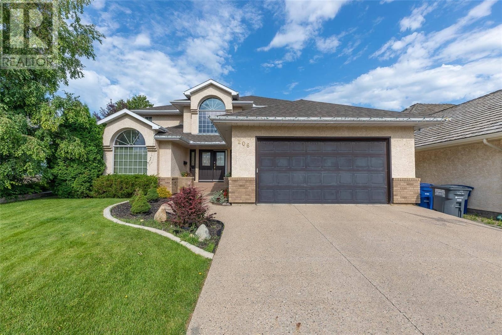 House for sale at 206 Collins Ter  Saskatoon Saskatchewan - MLS: SK789343