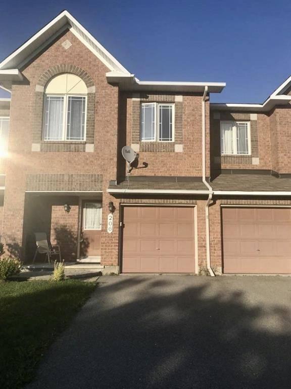 Townhouse for rent at 206 Flamborough Wy Kanata Ontario - MLS: 1172095