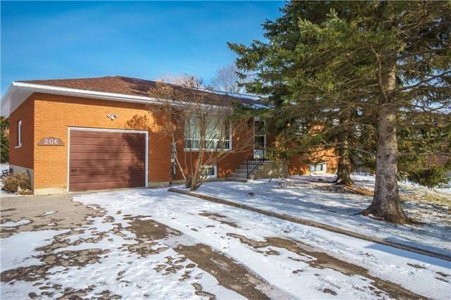 For Sale: 206 Harvie Road, Barrie, ON | 3 Bed, 2 Bath House for $699,000. See 2 photos!