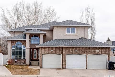 House for sale at 206 Mendel Green Saskatoon Saskatchewan - MLS: SK793639