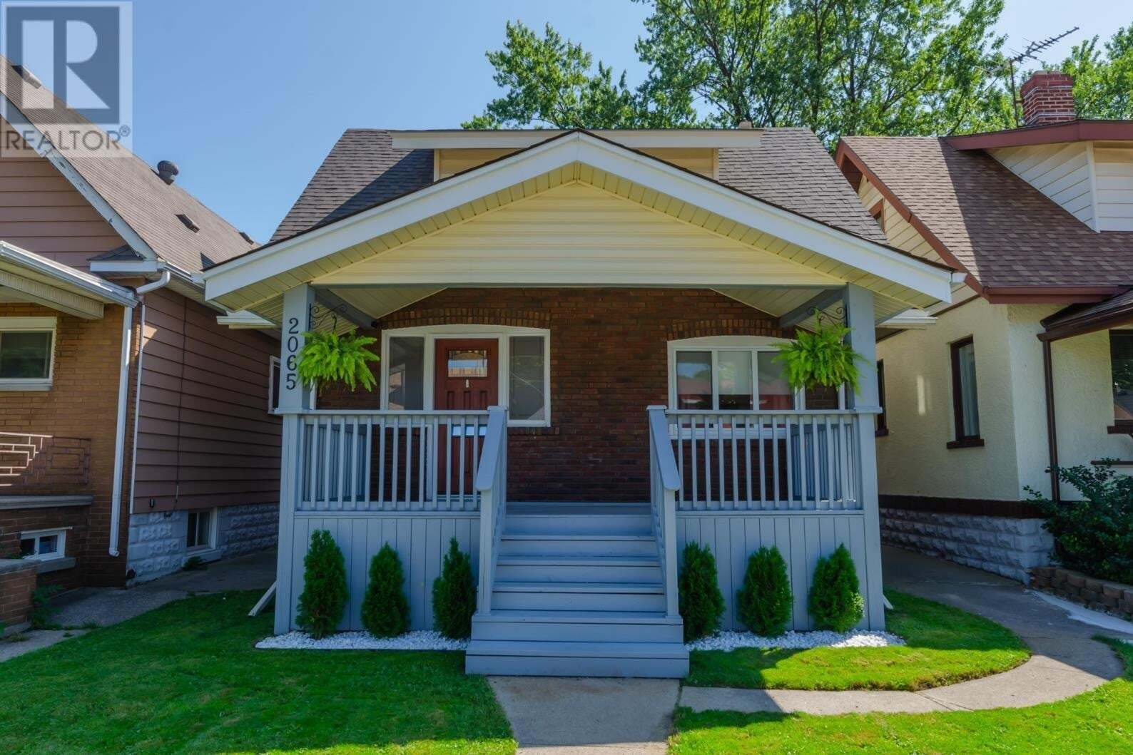 House for sale at 2065 Ottawa St Windsor Ontario - MLS: 20012709