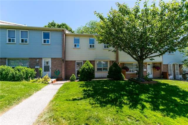 Buliding: 1055 Shawnmarr Road, Mississauga, ON