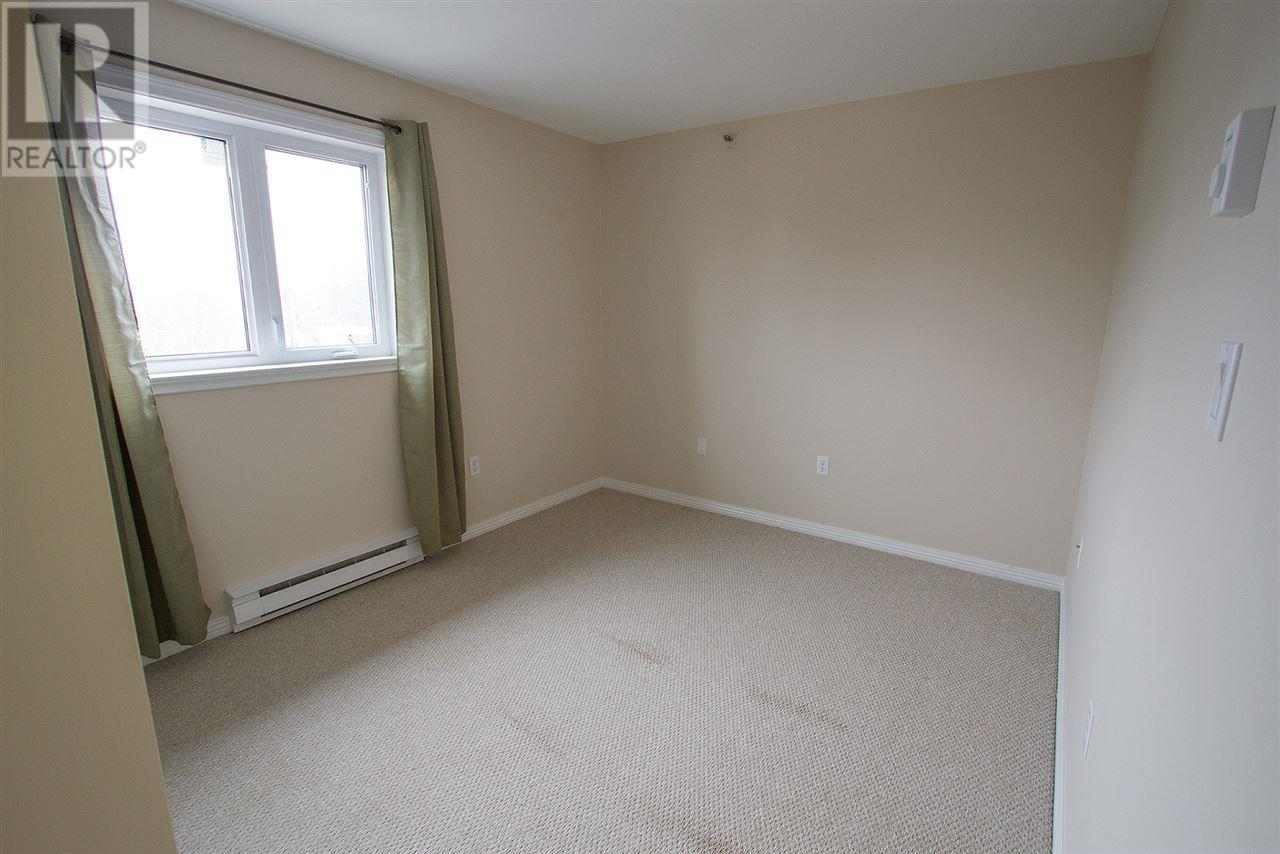For Sale: 203 Ross Street, Clayton Park, NS   2 Bed, 2 Bath House for $169,900. See 30 photos!