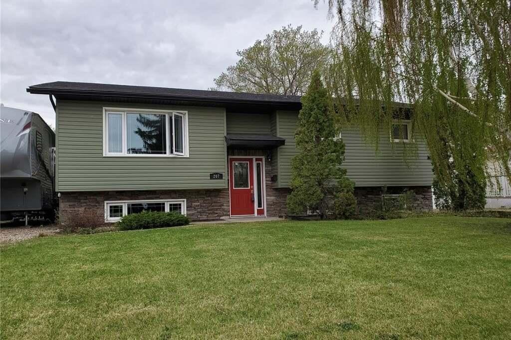House for sale at 207 4th Ave W Watrous Saskatchewan - MLS: SK809341