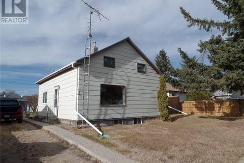 House for sale at 207 4th St E Wilkie Saskatchewan - MLS: SK773746