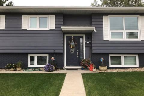 House for sale at 207 Dore Cres Saskatoon Saskatchewan - MLS: SK804403
