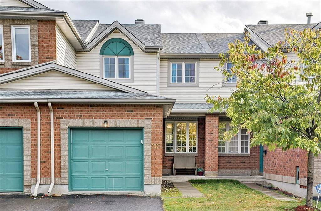 Townhouse for sale at 207 Duntroon Circ Ottawa Ontario - MLS: 1164582