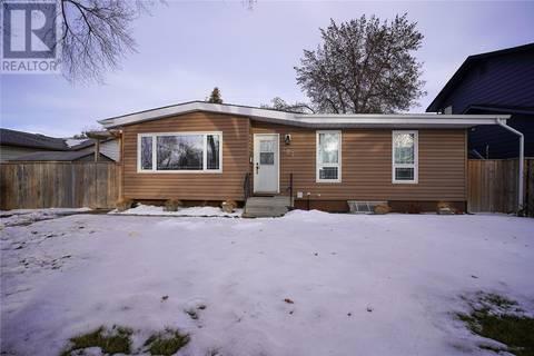 House for sale at 207 Egbert Ave Saskatoon Saskatchewan - MLS: SK800823