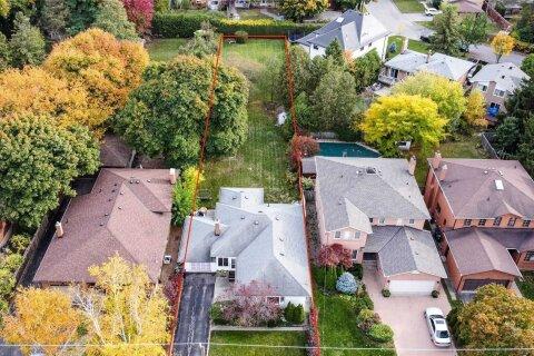 House for sale at 207 Ellerslie Ave Toronto Ontario - MLS: C4960299
