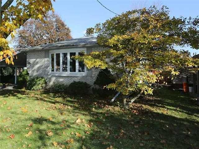 For Sale: 207 Guelph Street, Oshawa, ON | 3 Bed, 2 Bath House for $598,900. See 20 photos!