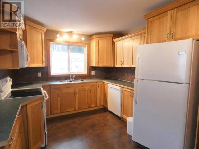 House for sale at 207 Gwillim Cres Tumbler Ridge British Columbia - MLS: 181276