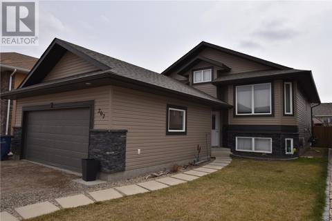 House for sale at 207 Hampton Blvd West Saskatoon Saskatchewan - MLS: SK764062