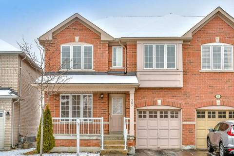 Townhouse for sale at 207 Knapton Dr Newmarket Ontario - MLS: N4739538