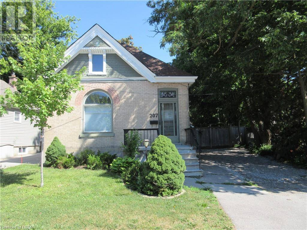 House for sale at 207 Riverside Dr London Ontario - MLS: 209693