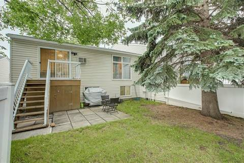 Townhouse for sale at 207 Sabrina Wy Southwest Calgary Alberta - MLS: C4256273