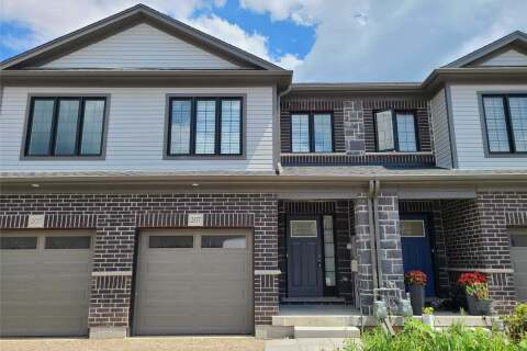 Townhouse for rent at 207 Woodmeadow Ct Kitchener Ontario - MLS: X4858664