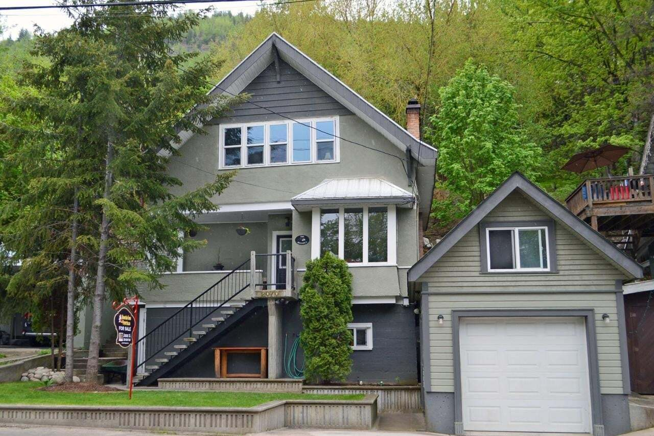House for sale at 2070 Riverside Avenue  Trail British Columbia - MLS: 2451944