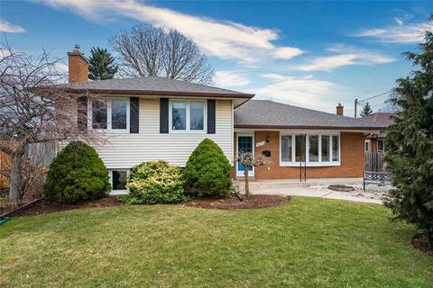 House for sale at 2070 Saxon Rd Oakville Ontario - MLS: W4719869
