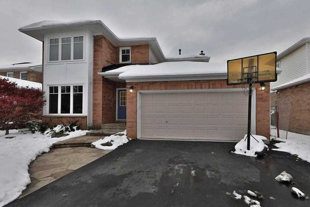 For Sale: 2075 Gordie Tapp Crescent, Burlington, ON   3 Bed, 3 Bath House for $1099900.00. See 20 photos!